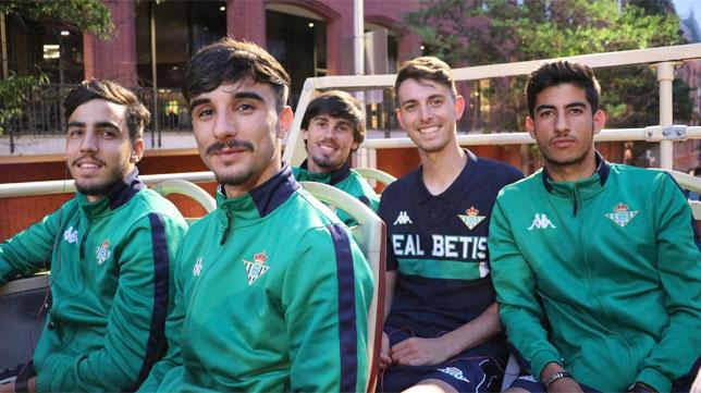 Raúl, junto a Rodri, Calderón, Abreu y Robert durante un paseo por Washington (Foto: Real Betis)