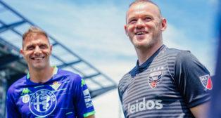 Joaquín y Wayne Rooney (Foto: Real Betis).