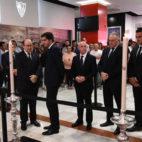 José Castro, con Ángel Haro, Lorenzo Serra Ferrer, Rafael Gordillo, Juanito y Joaquín, en la capilla ardiente por José Antonio Reyes en Sevilla (Foto: SFC).