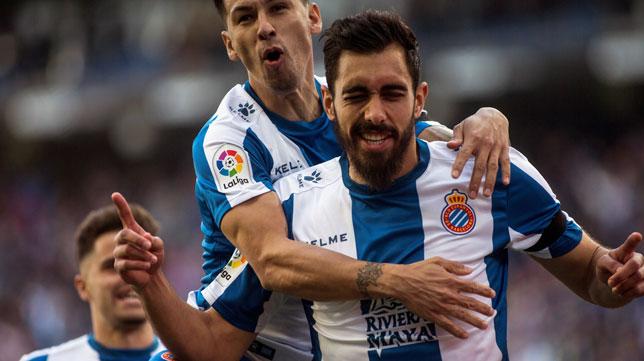 Borja Iglesias celebra uno de sus goles con el Espanyol (Foto: EFE).