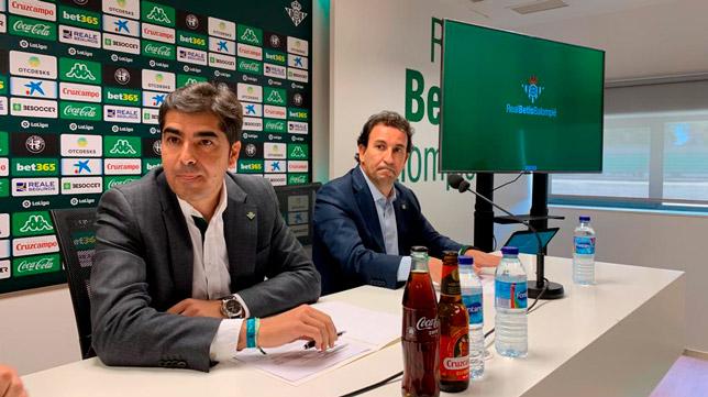 Ángel Haro y José Miguel López Catalán, durante la rueda de prensa de este martes (Foto: MANUEL GÓMEZ)