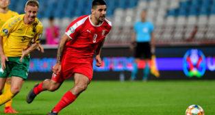 Mitrovic, durante un partido con la selección de Serbia (Foto: AFP)
