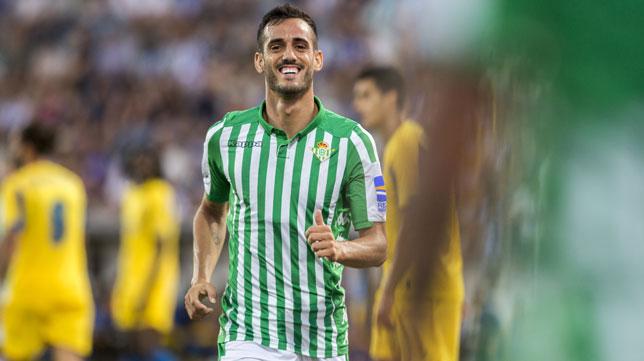 Juanmi celebra el 0-1 del Betis ante el Oporto (Foto: Alberto Díaz).