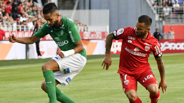 Ryad Boudebouz, en el partido del Saint-Etienne frente al Dijon (foto: AFP)