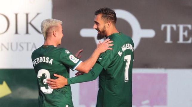 Borja Iglesias celebra con Pedrosa el gol que le marcó al Stjarnan (Foto: RCDE)