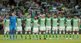 Once titular del Betis ante el Valladolid (AFP)