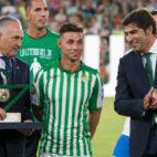 Gordillo, Rubén Castro y Ángel Haro, en el partido del miércoles en el Villamarín (Foto: J. J. ÚBEDA)