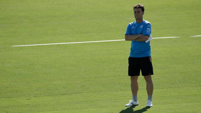 Rubi, durante un entrenamiento del Betis Foto: JUAN FLORES)