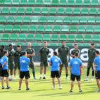 Entrenamiento del Real Betis previo al encuentro ante el Getafe. Foto: J. J. Úbeda
