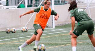Priscila, durante un entrenamiento del Betis Féminas (Foto: RBB)