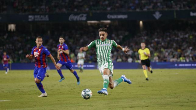 Álex Moreno, en un lance del partido (Foto: Real Betis)