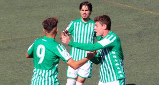 Los jugadores del Betis Deportivo celebran el gol de Mizian (Foto: RBB)