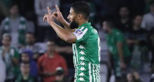 Fekir celebra con señalando al cielo su gol al Celta (Foto: J. M. Serrano/ABC)