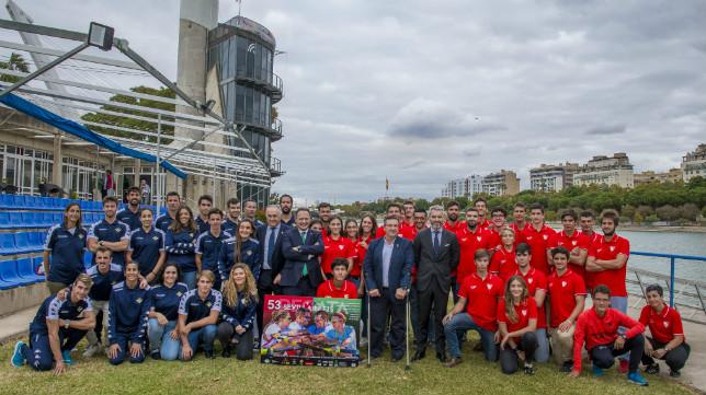 La presentación de los equipos de la Regata Sevilla - Betis fue en el Centro Especializado de Alto Rendimiento de la Isla de la Cartuja (Foto: Juan José Úbeda)