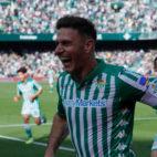 Joaquín celebra uno de sus goles, durante el Betis - Athletic (Foto: RAÚL DOBLADO)