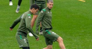 Guido y Mandi, durante un entrenamiento del Betis (Foto: CRISTINA GÓMEZ)