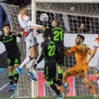 Imagen del primer gol del Rayo Vallecano en el choque de la Copa del Rey (Foto: EFE)