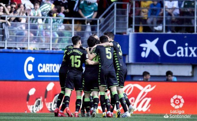 Celebración de los jugadores del Real Betis del gol de Fekir ante el Eibar. Foto: LaLiga