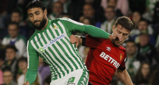 Fekir, en un lance del Betis - Mallorca (Manu Gómez)