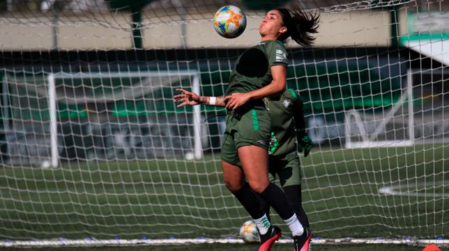 Martina Piemonte durante un entrenamiento del Betis Féminas (Foto: RBB)