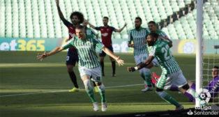 Guido Rodríguez celebra el 1-0 en el Betis-Osasuna (Foto: LaLIga).