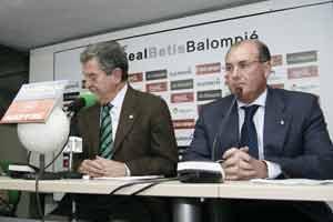 Real Betis: León y Castaño no se ponen de acuerdo