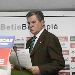 Real Betis: León no está de acuedo con Chaparro