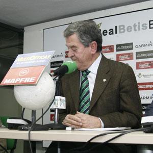 Real Betis: León no quiere hablar todavía de la próxima temporada