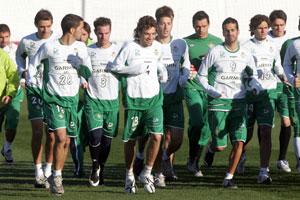 Betis: Los jugadores durante una sesión preparatoria