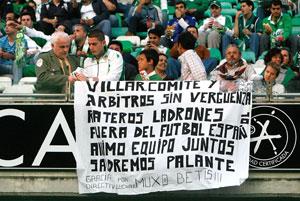 Real Betis: Multa económica por las pancartas y la invasión