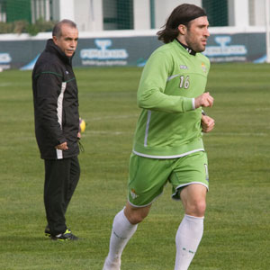 Betis: Pavone hace carrera continua en un entrenamiento