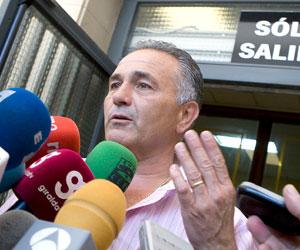 Betis: Gordillo atiende a los medios ayer a la salida de los Juzgados