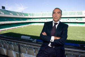 Betis: Oliver posa para la entrevista publicada por ABC de Sevilla