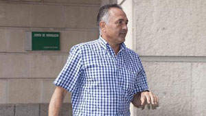 Gordillo, a la salida de los juzgados