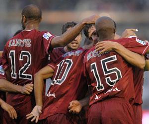 Sevilla Fc: los jugadores sevillistas celebran el primer gol de Fazio