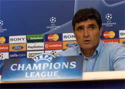 Sevilla FC: Juande reconoce que hay que corregir la debilidad defensiva