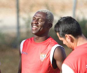 Sevilla: Koné llegó al Sevilla en el verano de 2007