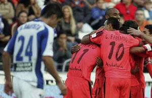 Sevilla FC: Los jugadores sevillistas celebran uno de los goles del 1-3 del año pasado