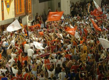 Sevilla FC: La afición sevillista no dejará solo a su equipo en el derbi ante el Betis