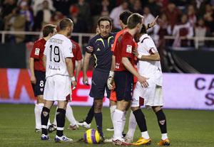 Sevilla FC: Momentos antes de que se lanzara e polémico penalti del final del partido