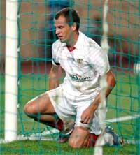 Sevilla FC: El portugués Duda se lamenta de una ocasión perdida