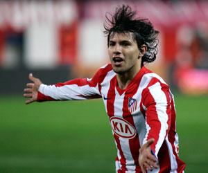Agüero marcó el gol del triunfo del Atlético en Riazor