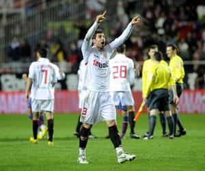 Sevilla FC: Drago celebra un tanto de esta temporada