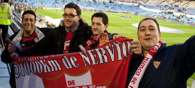 Miembros de la peña, en un Zaragoza - Sevilla