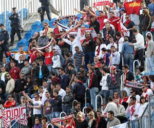 Sevilla FC: Tras los incidentes, los sevillistas entraron cuatro horas antes a La Rosaleda