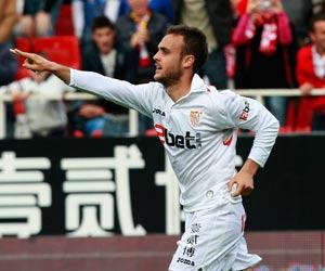 Cala celebra su gol de esta tarde ante el Sporting