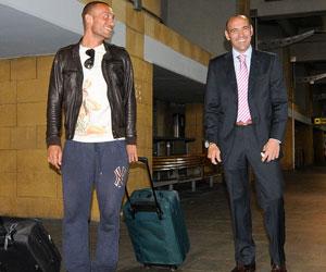 Monchi, junto a Guarente en el aeropuerto de San Pablo