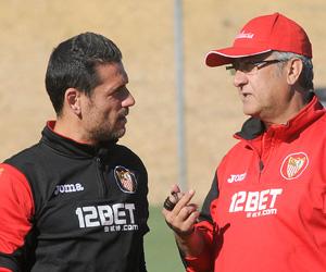 Sevilla FC: Palop dialoga con Manzano en un entrenamiento