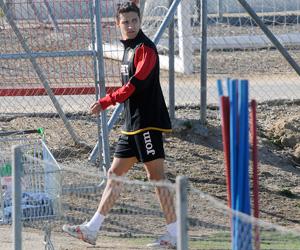 Sevilla FC: Jesús Navas abandonando el entrenamiento de ayer