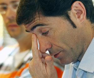 Marcelino se emociona durante la rueda de prensa de despedida